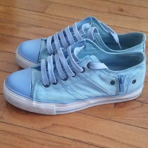 Levi's women's shoes sneakers Shoes 7.5